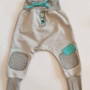 Baggy hlače sive z turkiznimi dodatki Hopka
